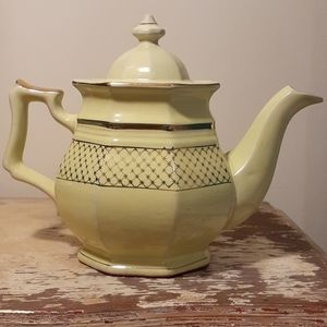 Vtg light green/sage colored clay pottery teapot